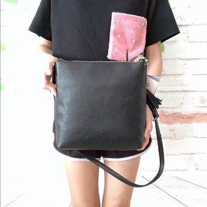 kate spade Bags - ❗️HAND MADE❗️Kate Spade On Purpose Zip Xbody